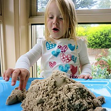 Arena Moldeable Kinetic Sand Pequeña