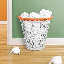 Papelera con forma de canasta de baloncesto