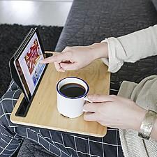 Bandeja de madera con soporte para tablets