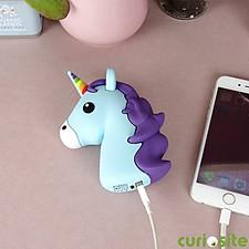 Cargador portátil con forma de unicornio