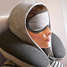 Almohada de viaje con capucha y antifaz