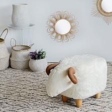 Taburete original con forma de ovejita