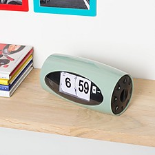 Reloj despertador tipo flip de estilo retro