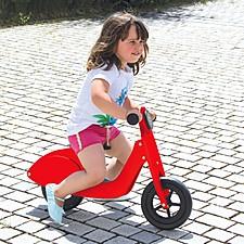 Correpasillos de madera con forma de scooter