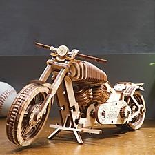 Kit para construir una moto mecánica de madera