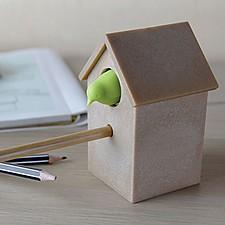 Sacapuntas con forma de casita con cuco