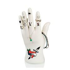 Joyero original con forma de mano tatuada