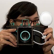 Cámara de cartón DIY con lente Sutton de Lomography
