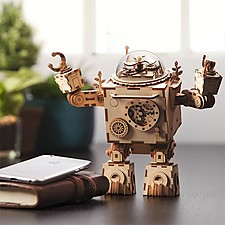 Robot de madera DIY con caja de música