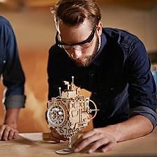Submarino de madera DIY con caja de música