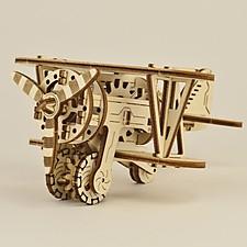 Kit para construir un biplano mecánico de madera