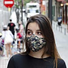 Mascarilla de protección con estampado de camuflaje