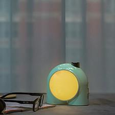 PLANET-9: la lámpara inteligente y personalizable