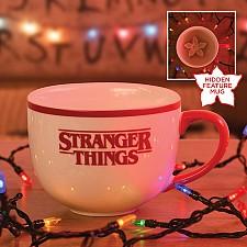 Taza oficial de Stranger Things con Demogorgon escondido