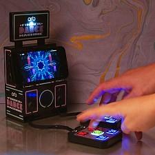Mini consola para bailar con los dedos