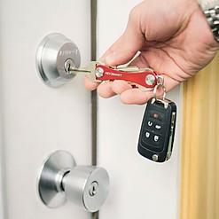 Organizador de llaves compacto