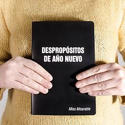 Cuaderno con mensaje Despropósitos de año nuevo