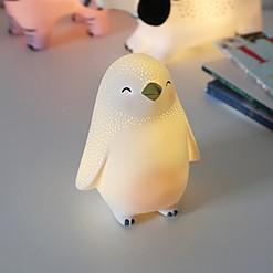 Luz de noche con forma de pingüino