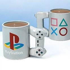 Taza con forma de mando de la PlayStation