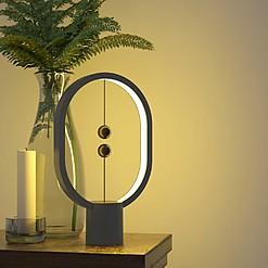 Minilámpara de diseño en equilibrio