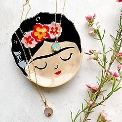 Platito con forma de Frida Kahlo