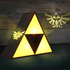 Lámpara con forma de la Trifuerza de The Legend of Zelda