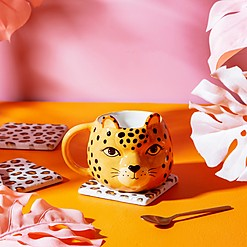 Taza de porcelana con forma de leopardo cuqui
