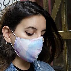 Mascarilla de protección con estampado tie dye