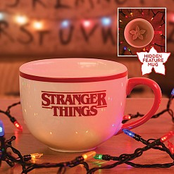 Taza oficial de Stranger Things con Demogorgon escondido