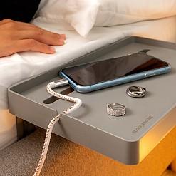 Mesa auxiliar para la cama