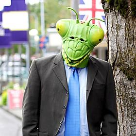 Máscara Mantis Religiosa