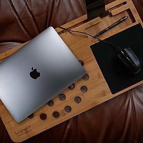 Mesa de bambú diseñada para el portátil