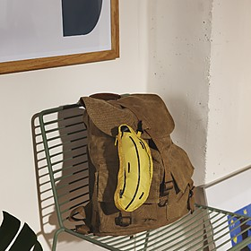 Mochila plegable con forma de plátano