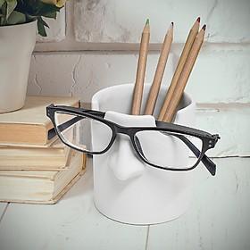 Portalápices con soporte para gafas