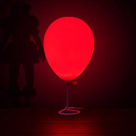 Lámpara con forma de globo de It