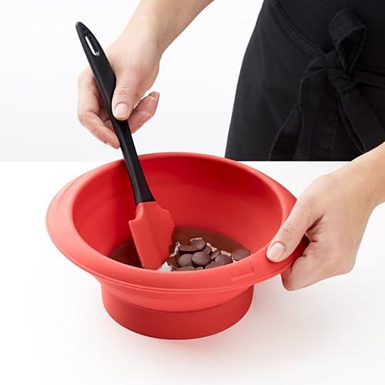 Prepara bombones con tu chocolate favorito