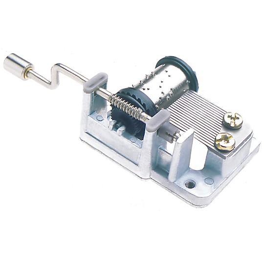 Su mecanismo funciona haciendo girar la manivela