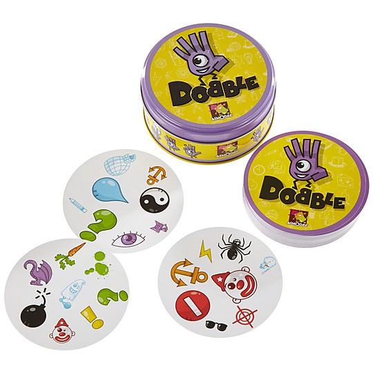 Cinco juegos de cartas en uno