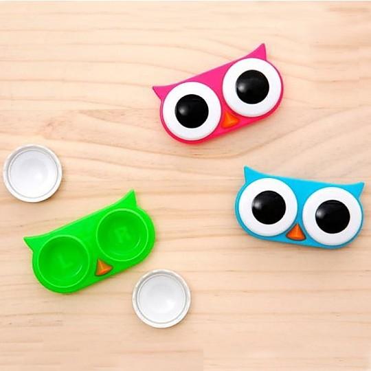 El estuche para lentillas vigilante