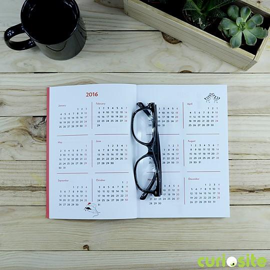 Incluye calendario anual