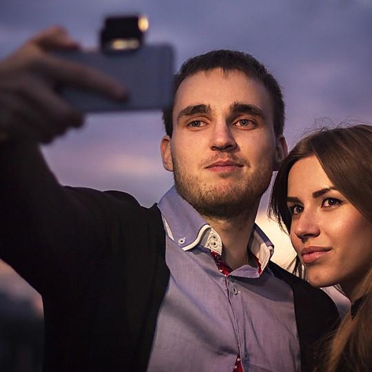 Iblazr: el primer flash para smartphones Bluetooth
