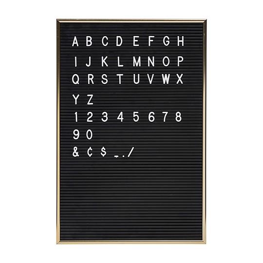 Incluye 286 letras y números