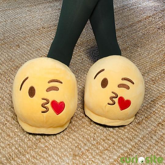 Unas zapatillas emoji muy cariñosas
