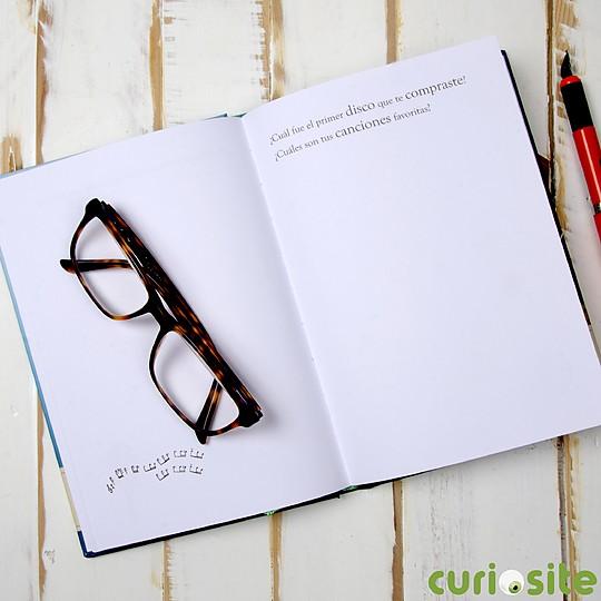 Regálale este libro para que escriba su historia