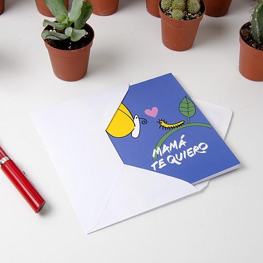 Incluye un sobre para enviarla
