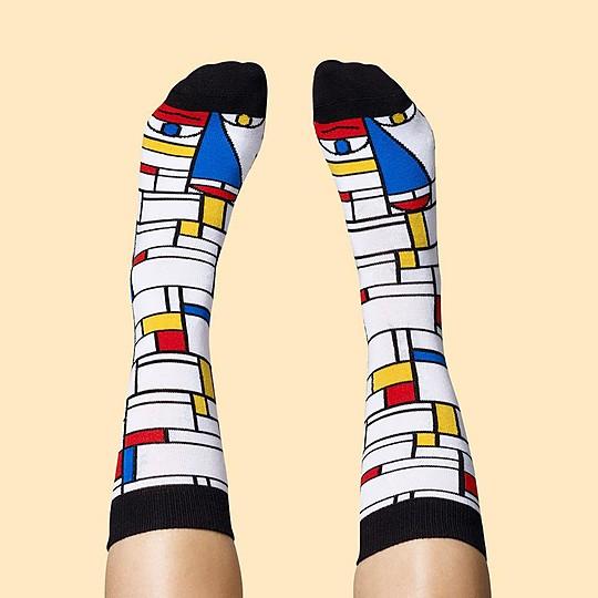 Modelo Feet Mondrian