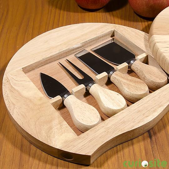 Y los accesorios de acero inoxidable con mango de madera
