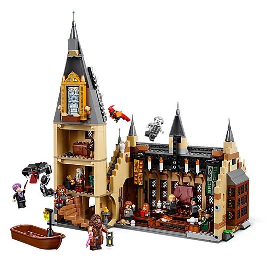 Incluye un modelo para construir la torre de la Gran Escalera