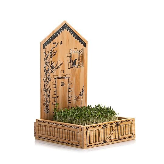 La casita está fabricada de forma artesanal en España
