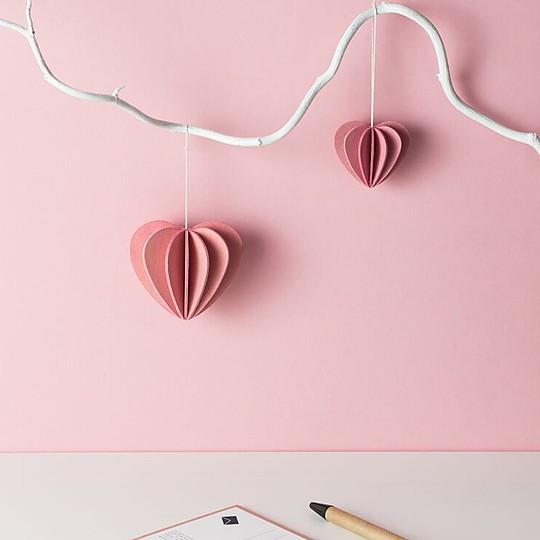 Corazón de madera para montar en una postal